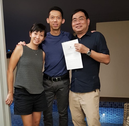 Gary Yeo with Satisfied Sellers of Gardens at Bishan